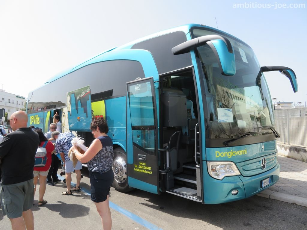 bari excursion bus