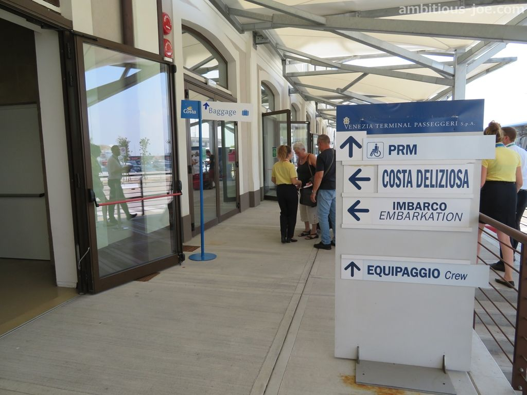 cruise-terminal entrance