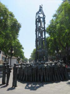 tarragona human tower sculpture