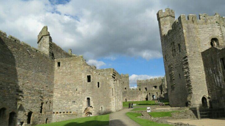Caernarfon城 中庭