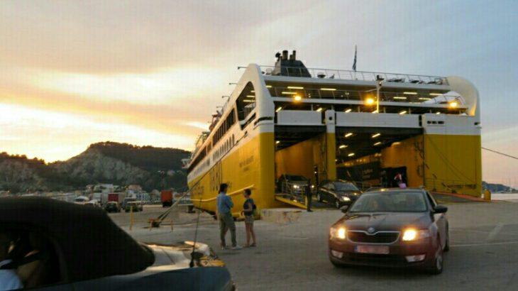ザキントス港へのフェリー情報と乗船レビュー:ギリシャ本土キリニ港から